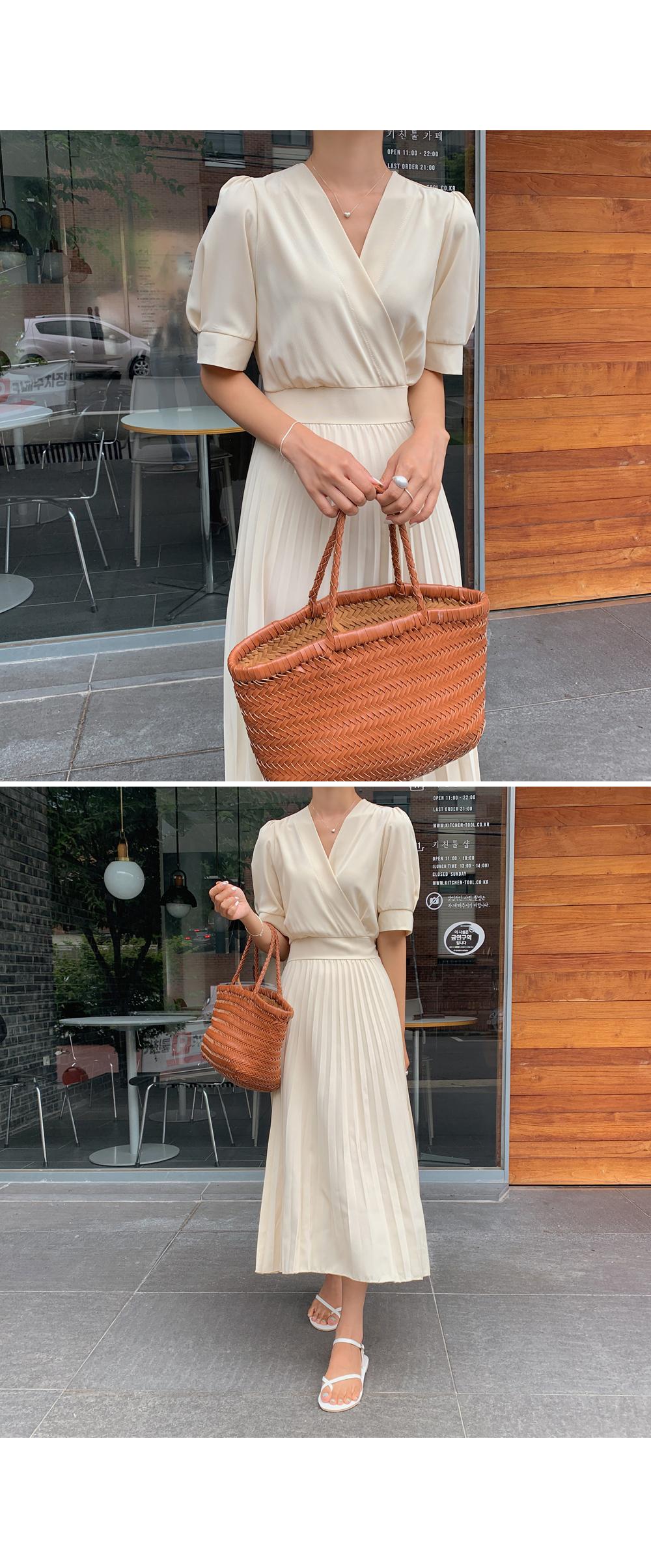 V Neck Pleats Dress-Holiholic.com