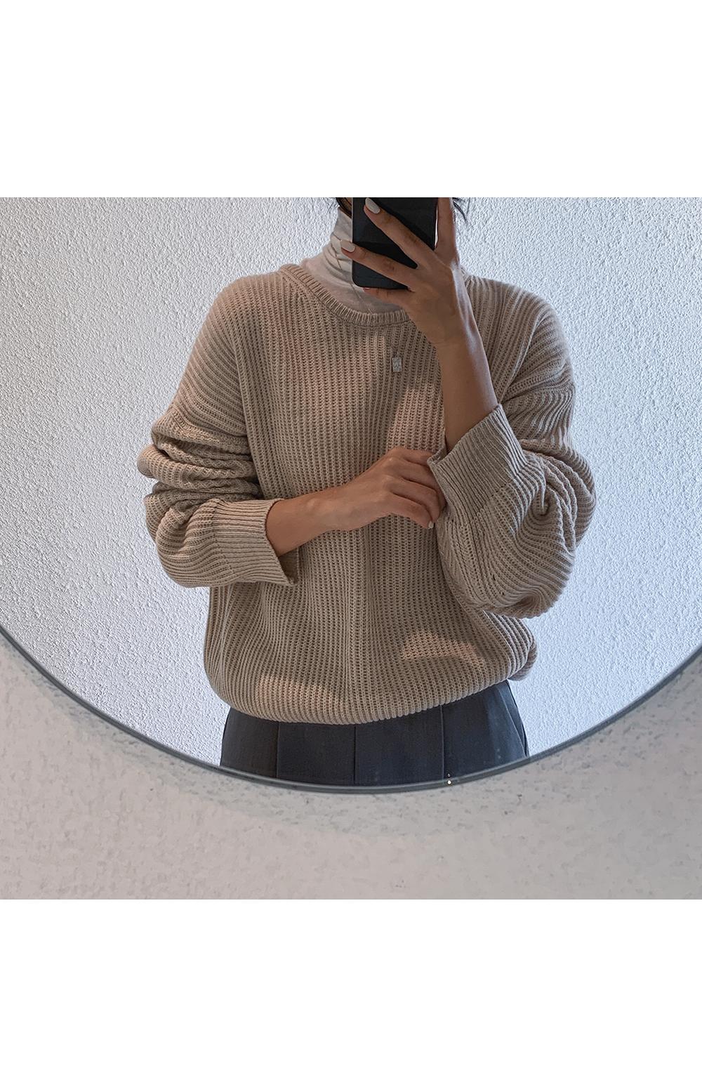 Simple and Basic Round Knit-holiholic.com